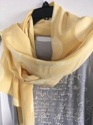 Gelber Schal von Marc Cain