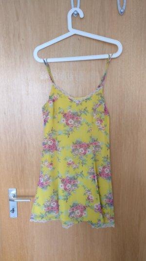 Gelbes Blümchen Sommerkleid