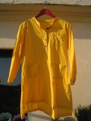 Gelbes Leinenkleid