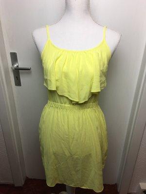 Gelbes luftiges Sommerkleid