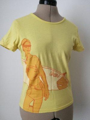 gelbes Oxbow T-Shirt mit Surfergirl