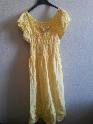 gelbes Sommerkleid von Max Studio