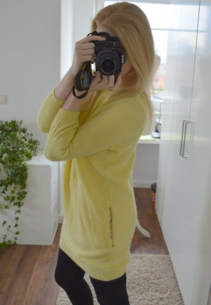 gelbes Strickkleid mit Taschen gold