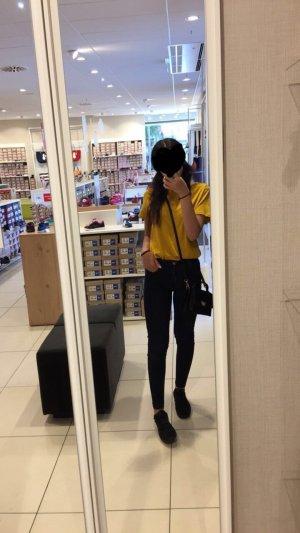 Gelbes T-Shirt aus Zara