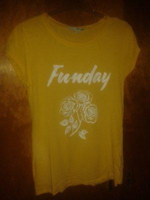 Gelbes T-Shirt mit Aufdruck