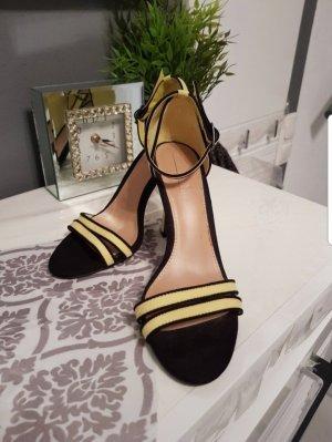 Geldb/Schwarze heels Zara