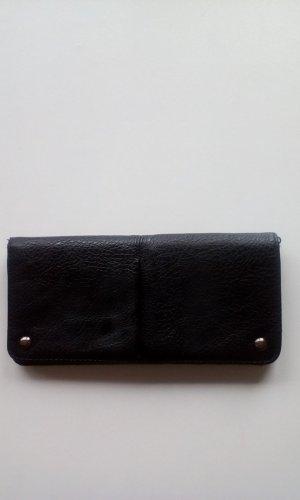 Geldbeutel in schwarz von Esprit