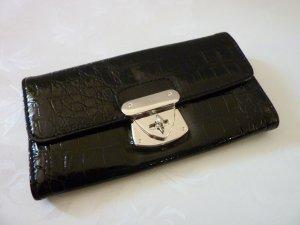 Geldbörse Portemonnaie schwarz mit Metallzierschnalle Leder Kroko Optik Lack