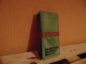 Geldbörse von George Gina & Lucy in hellgrün und sandbraun