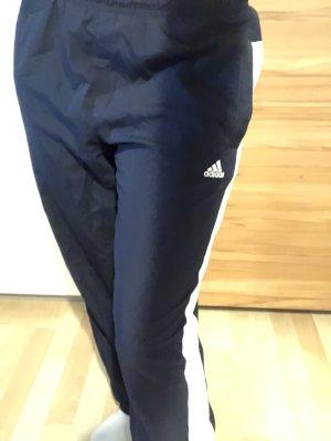 Gemütliche Adidas Sporthose