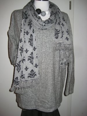 gemütlicher grauer Pullover von liberty