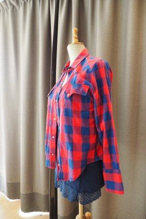 Gemütliches Karo-Hemd in blau-rot