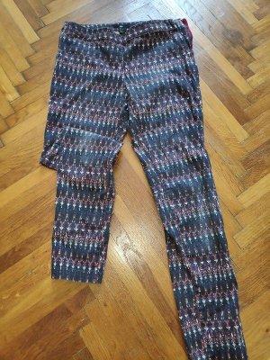 Gemusterte Jeans