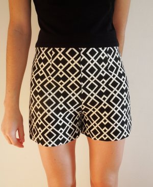 Zara High-Waist-Shorts black-cream