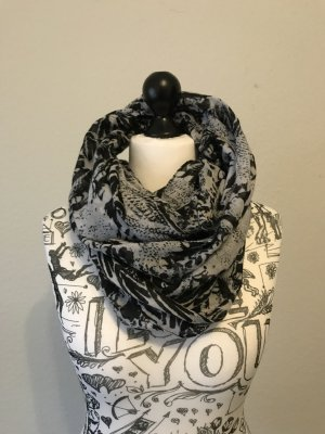 gemusterter Schal