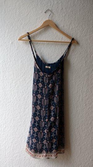 Gemustertes Hängerchen Kleid von Hollister