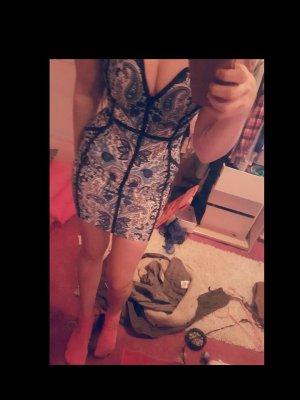gemustertes Kleid eng