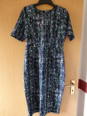 Gemustertes Kleid von Gina Tricot