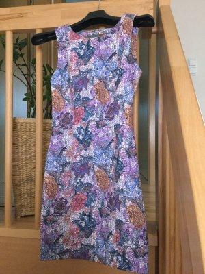 Gemustertes Kleid von H& M