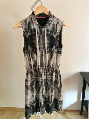 Gemustertes Kleid von Minimum