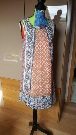 Gemustertes lässiges Kleid