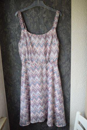 Gemustertes Sommerkleid der Marke LTB