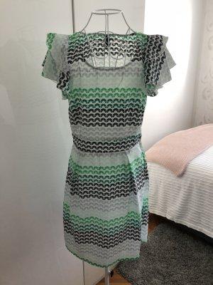 Gemustertes Sommerkleid mit Rüschen -36