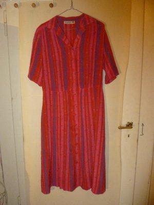 Gemustertes Vintagekleid
