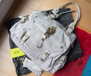 George Gina Lucy GGL Gimme Tall Goldiepearl Handtasche grau gold inkl. Dustbag & ID Card