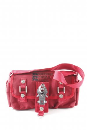 George Gina & Lucy Draagtas donkerrood extravagante stijl