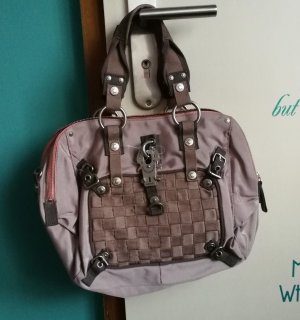 George Gina & Lucy Tasche 01/2012 Me: Topsy - Turvy Me: Love in woven rose