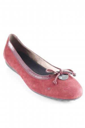 Geox Patent Leather Ballerinas bordeaux casual look