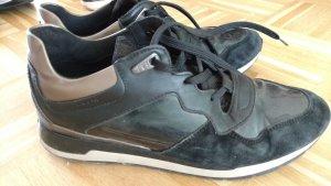 Geox Sneaker Gr 41 schwarz gold
