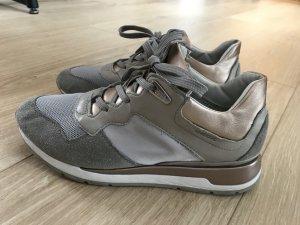 Geox Sneaker taupe nude Farben