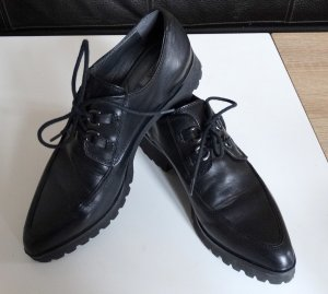 Geox - sportlicher Schnürer (schwarz)mit angesagter Plateausohle (3x getragen)