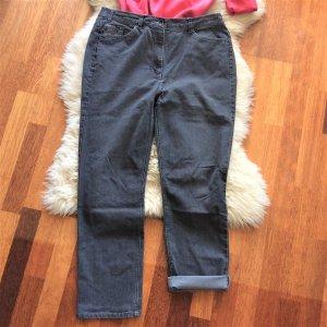 Gepflegte graue Stonewashed Jeans mit Komfortbund von Fabiani