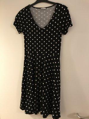Gepunktetes 50s Kleid