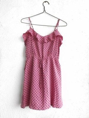 Gepunktetes Kleid mit Punkten