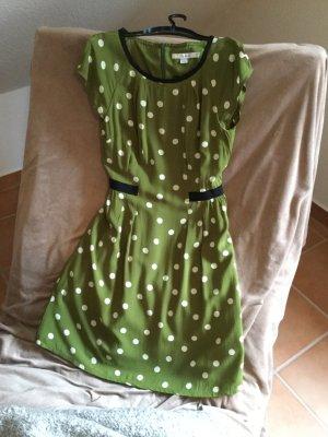 Gepunktetes Kleid von Boden