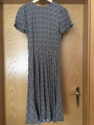 Gepunktetes tailliertes Kleid von H&M, 50er Jahre