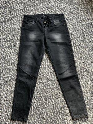 Gerade geschnitte Jeans im schwarzen Used Look