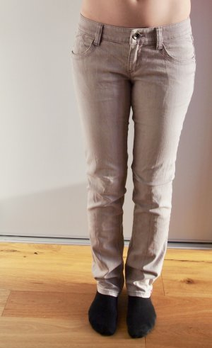 Gerade geschnittene Jeans in pastellrosa / hellem Lila