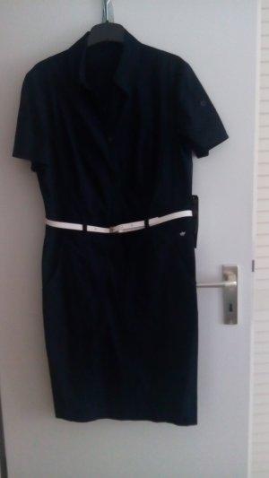 Gerade geschnittesnes Hemdblusenkleid