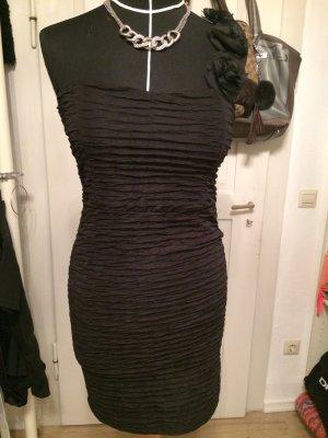 Gerafftes One-Shoulder Kleid mit Rosen Verzierung