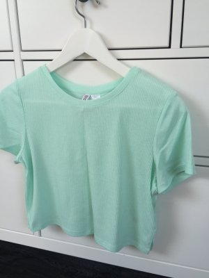 Geripptes Crop Shirt