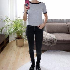 Geripptes Cropped Shirt Gr. XS grau schwarz