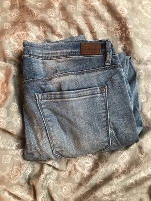 gerissene Jeans