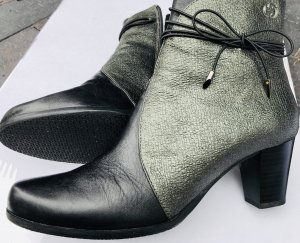 Gerry Weber Short Boots black-petrol leather