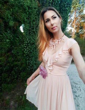 Gerüschtes AbendKleid mit Ansteckblume Gr.32/34