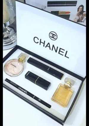 Chanel Sjaal met franjes wit